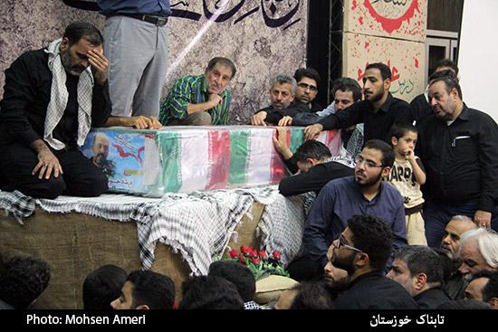 مراسم وداع با شهید مدافع حرم فرشاد حسونی زاده در اهواز برگزار شد + تصاویر